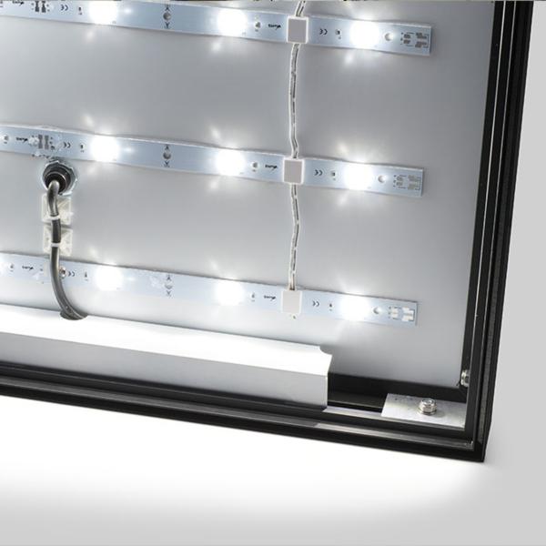 INTERNAL POWER SUPPLY FOR A FABRIC LIGHT BOX